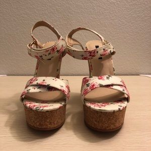 Forever 21 | Floral Print Strapped Wedges